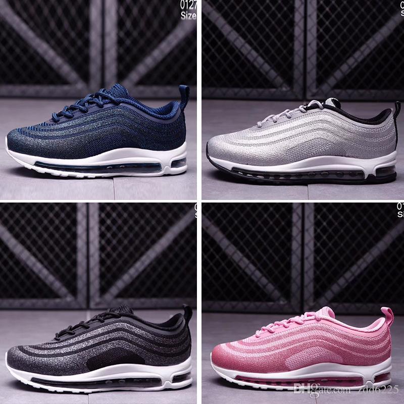 a919fc1e792 Compre Nike Air Max 97 Crianças Ar 97 Lx Brilho Prata Rosa Azul Preto Bebê  Crianças Sapatilhas Meninos Meninas Formadores Ul17 Alta Qualidade Tênis De  ...