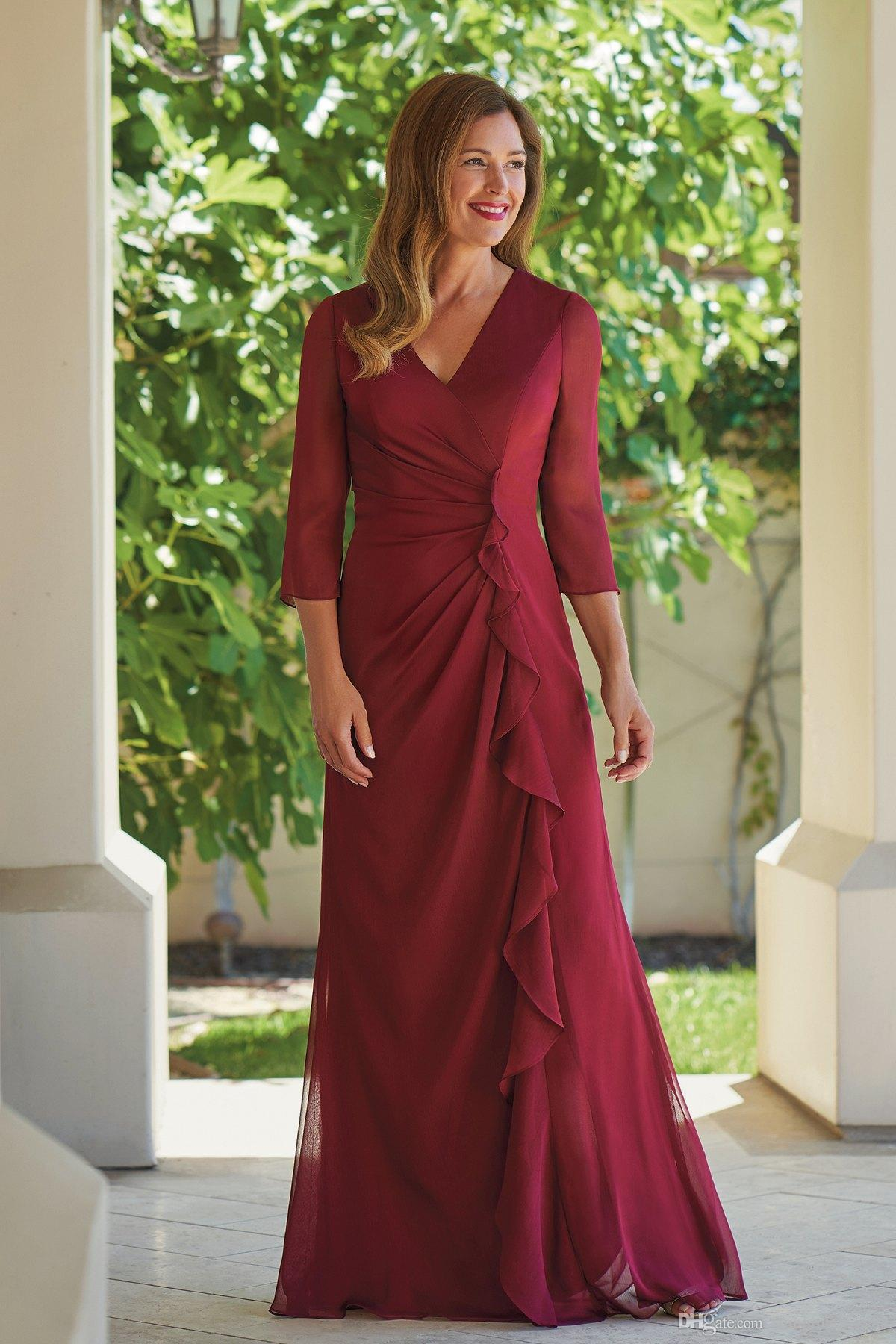 2019 Burgundy V neck Chiffon Mother of the Bride Groom Dresses 3/4 Long Sleeves Pleated Full Length Cheap Wedding Guest Party Dreess