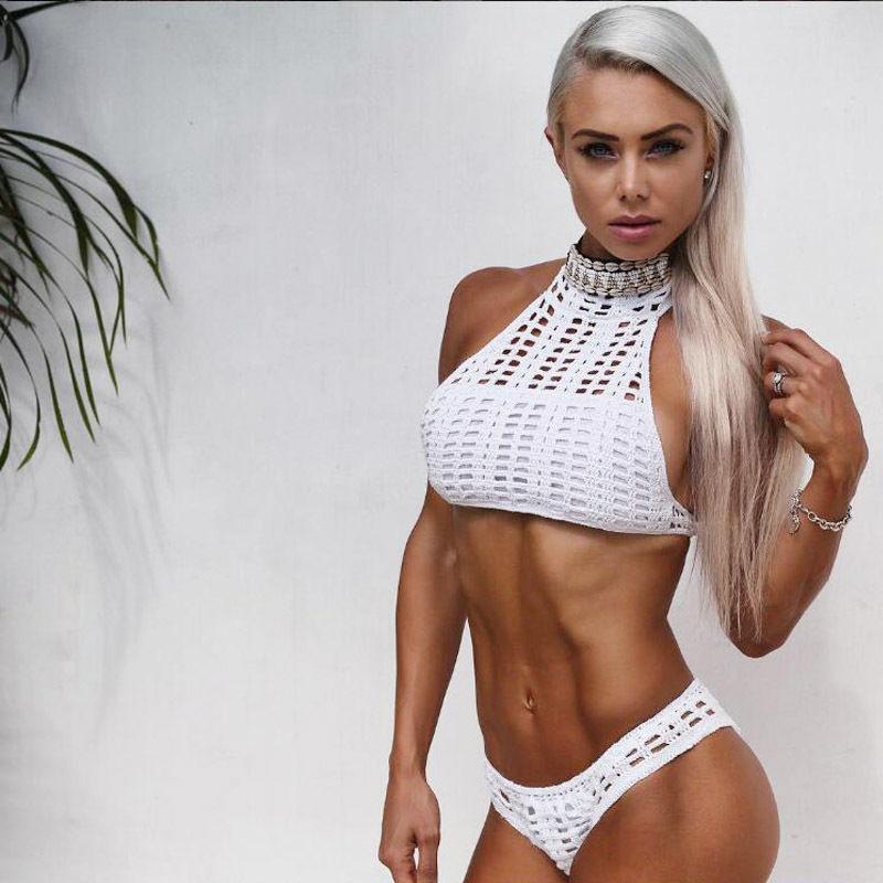 Las mujeres atractivas ahuecan hacia fuera Bikinis Conjuntos de cuello alto vendaje Sujetador atractivo del ganchillo de las mujeres Triángulo Bikini de traje de baño