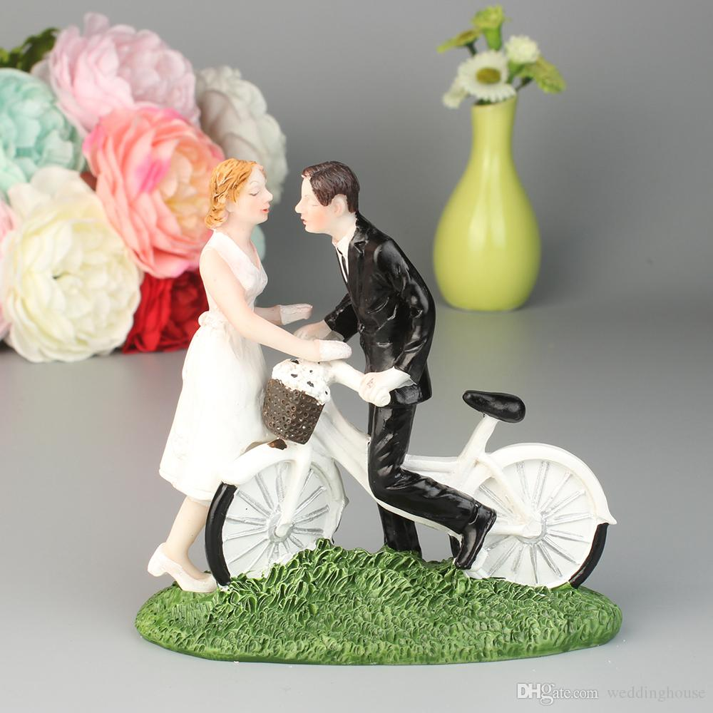 Creative westen-style bride and groom ride the bicycle sweet couple resign cake topper wedding decoration FEIS wedding favor