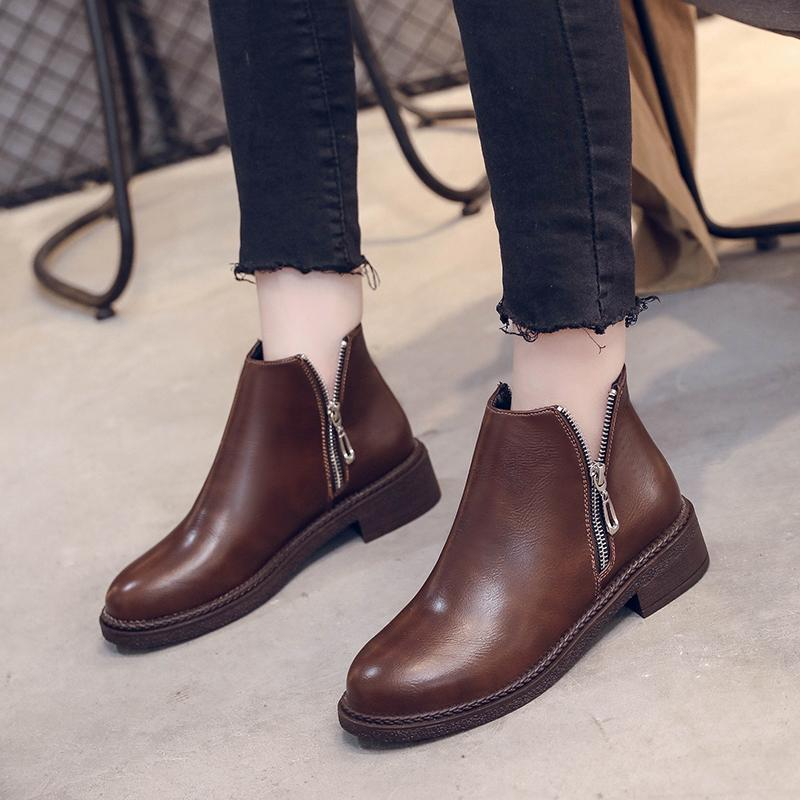 e6c11e64a64d Autumn Retro Thick Heel Ankle Boots For Women Black Brown Casual Zipper  Martin Boots Leather Feamle Bota Feminina 2019 Chelsea Boot Mens Chelsea  Boots From ...