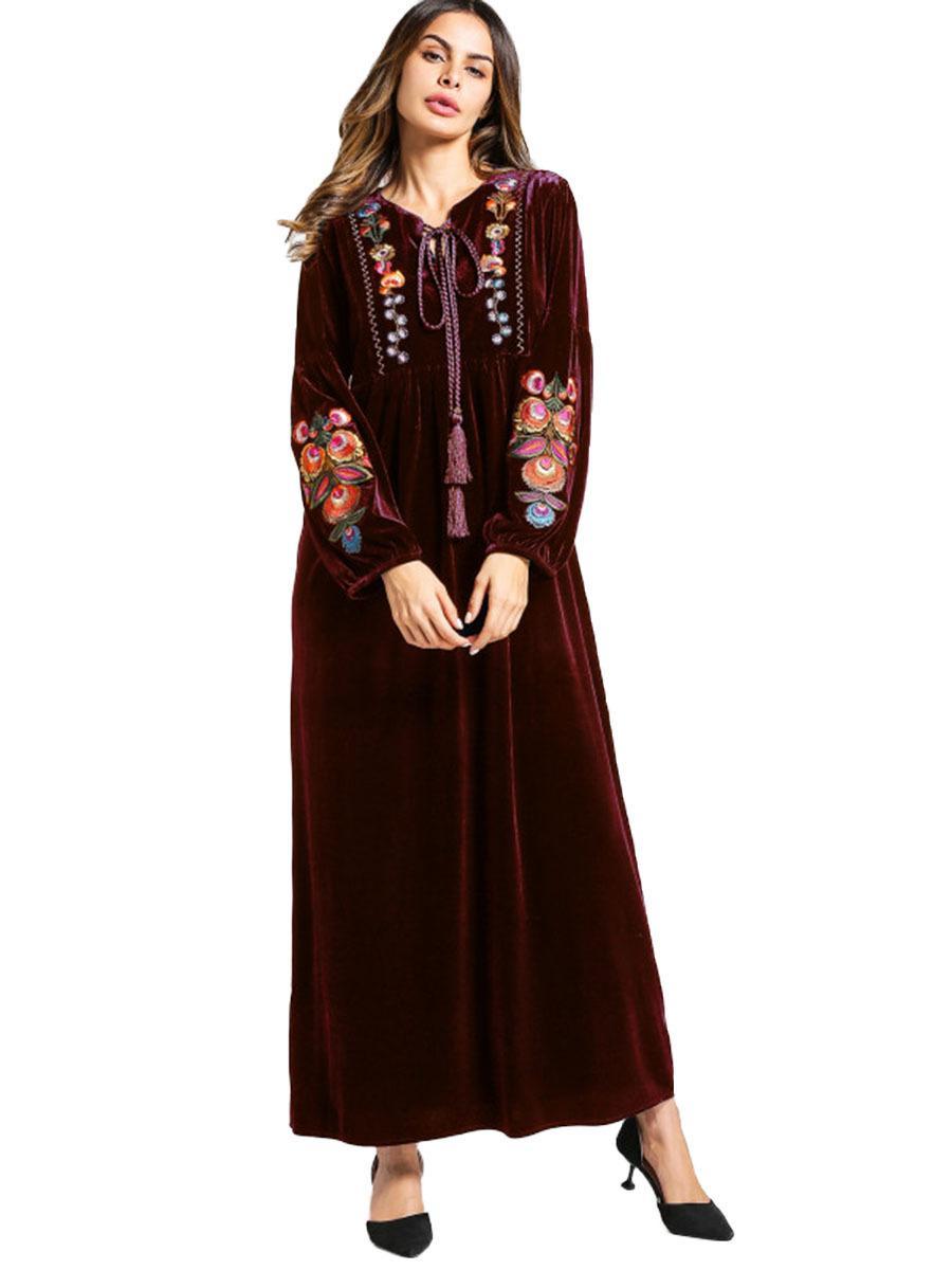 1ef05dbfde19 Acquista 5465 Velluto A Maniche Lunghe Delle Donne Vesti Arabi Stile  Popolare Vestito Femminile Musulmano Ricamato A  25.13 Dal Donnatang240965