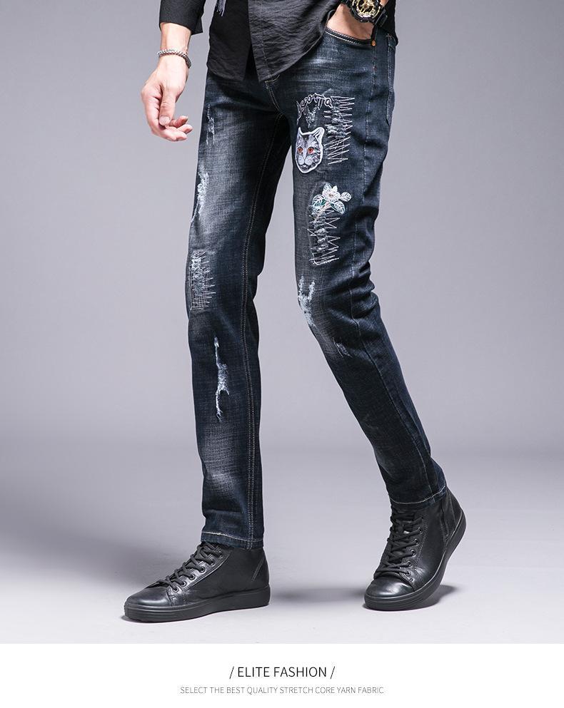80c5e98942eb8 Compre Agujero Rasgado Pantalones Vaqueros Para Hombre Pantalones De  Mezclilla Bordados Patrón De Invierno Moda De Invierno Pantalones De  Mezclilla Rectos ...