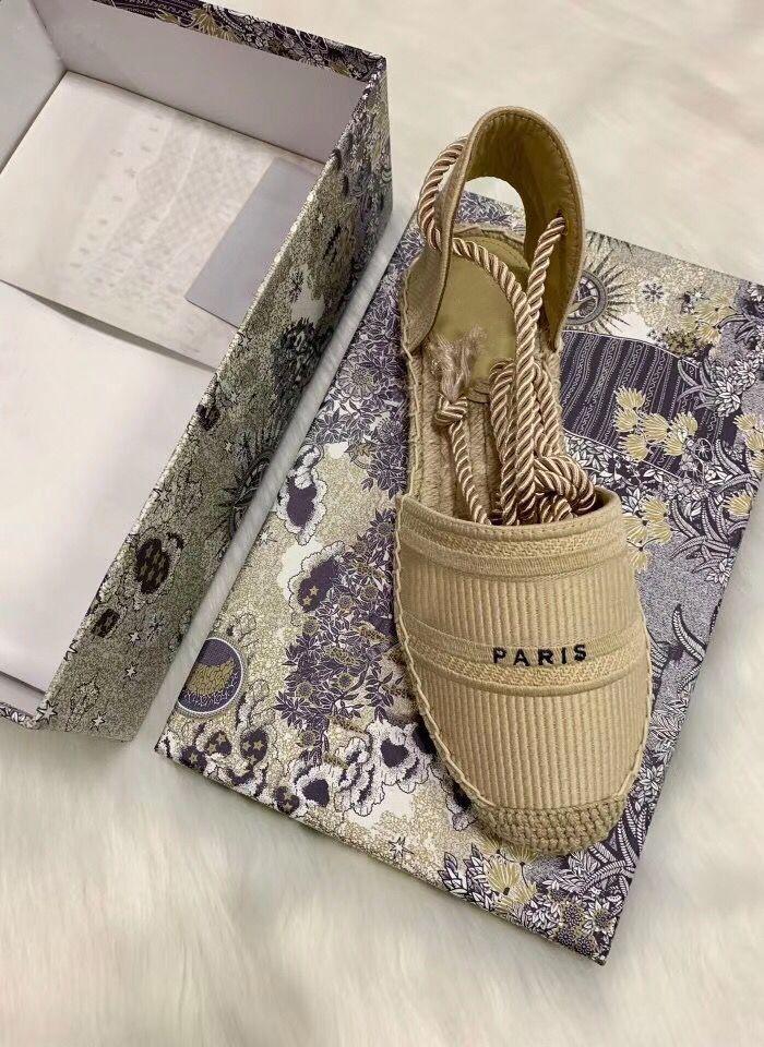 Designer-Plattform lässig Sandalen Sommermode Alphabet Fischer Schuhe Luxuxfrau Schuh Hanfseil Gras gewebt Baotou Sandalen Größe 35-42