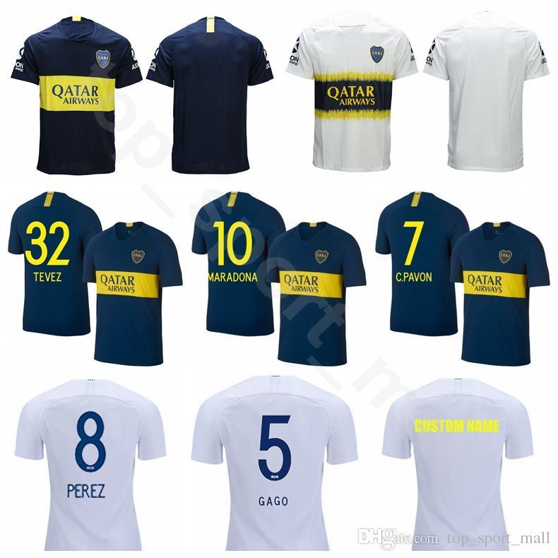 2018 2019 Boca Juniors 32 TEVEZ Jersey Hombre Fútbol 5 GAGO 8 PEREZ 10  MARADONA 10 CARDONA Kits De Camiseta De Fútbol Azul Blanco Uniforme Por ... 5053702346d5b