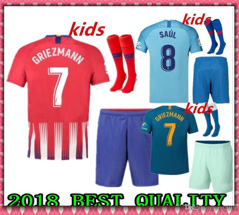 7d13d7e5798a5 Compre 2019 Madrid Atlético GRIEZMANN Fútbol Jersey Kits Infantiles +  Calcetines 18 19 Calidad Tailandesa KOKE SAUL DIEGO COSTA TORRES GODIN  CORREA Camiseta ...