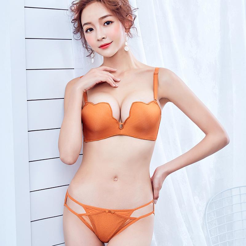 13584ec6b5532 2019 Seamless Wire Free Bra Set Small Breasts Top Push Up Solid Lingerie  Girls Super Sexy Brief Sets Women S Underwear 1 2 Cup From Tengdingskirt