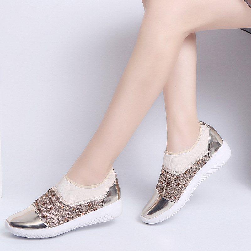 Acquista New 2019 Spring Fashion Crystal Women Flats Scarpe Casual Sneakers  Donna Slip On Donna Slip On Mocassini Scarpe Donna A  42.23 Dal Xinjiamei  ... 2bfc34bf1bb0