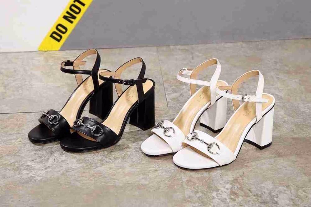 910a06bd77 Compre Sandálias Novas De Verão De Salto Alto Para Mulheres