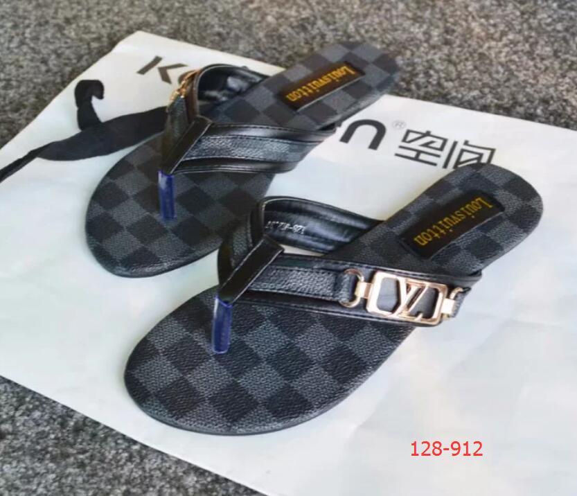 2019 hot Women Sandals big size Designer Shoe Luxury flip flops sandals Summer Fashion Wide Flat Slippery With Sandals Slipper flip flops