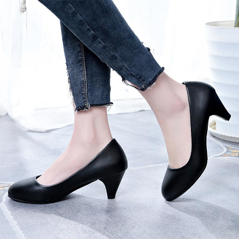 bd358e3a519 Designer Dress Shoes Plus Size 35 41 Spring Autumn Women Low Heels Black  Boat Office Lady Medium Heels Pumps Zapatos Mujer 6156 Pink Shoes Munro  Shoes From ...