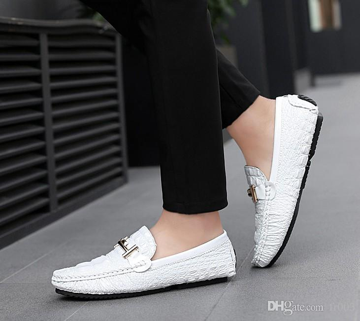 Casual Shoes Men Loafers Flat Shoes Summer Corduroy Mocassin Slip on Driving Formal Shoes Non Slip Sole Male Sneakers
