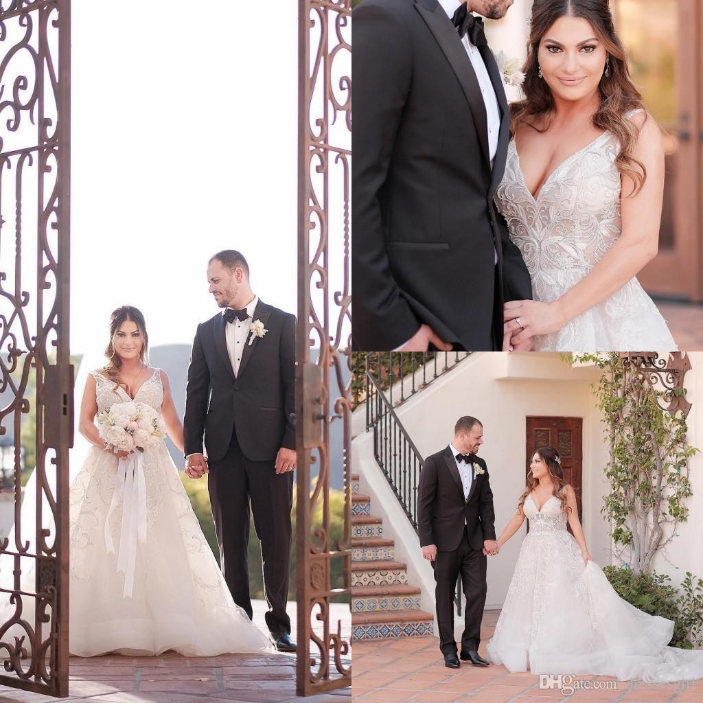 2019 V Neck A Line Wedding Dresses Lace Applique Sleeveless Bridal ... 7166149e8b76