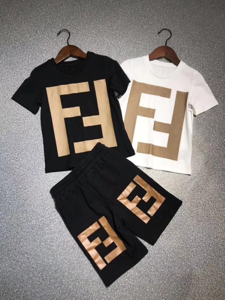 574591b41efc Acquista Set Di Abbigliamento Bambini Ragazzi E Ragazze T Shirt In Cotone  Pantaloncini Set Bambini Bambino Bambini Vestiti Firmati Ragazzi Set 5T 15T  L998 A ...