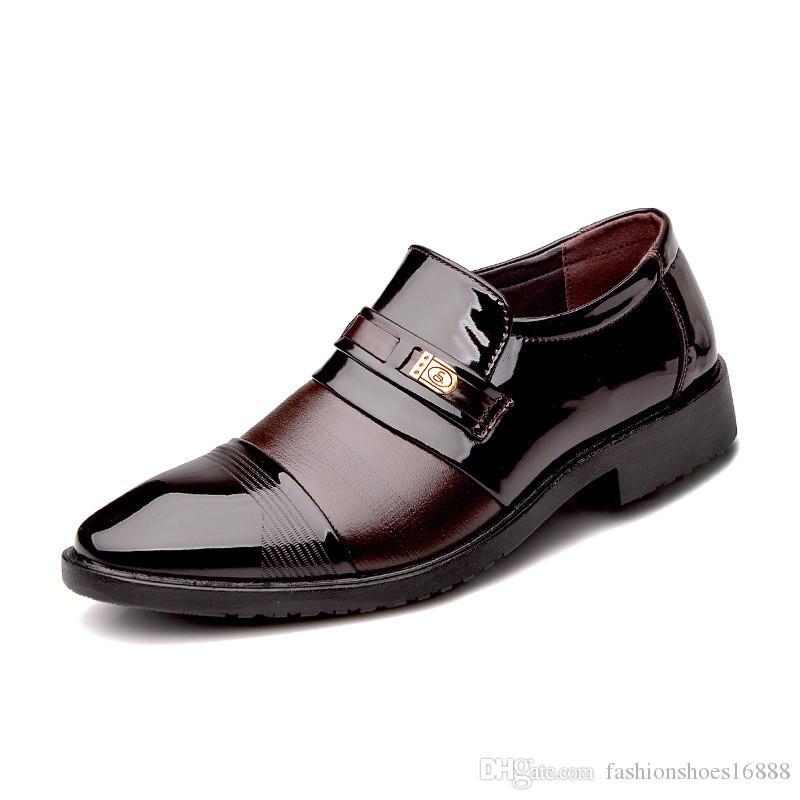 ff49247f1 Compre Homens Vestido Mocassins Sapatos De Couro De Patente Deslizamento Em  Italiano De Moda Masculina Formal Sapatos Oxford Apartamentos Apontou Toe  ...