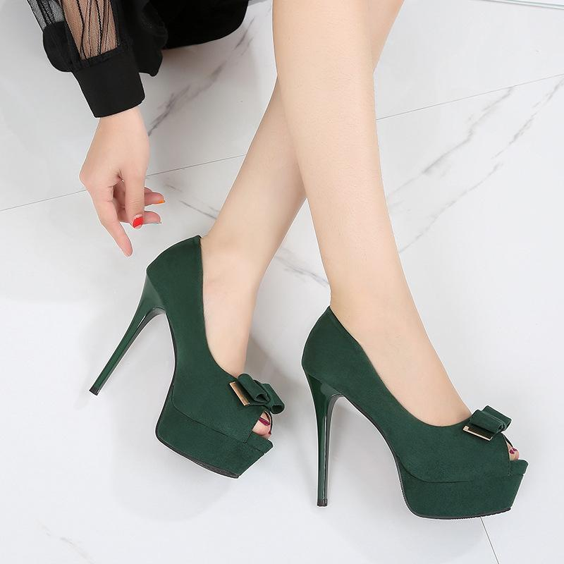 f5f371491ae Compre Dama Elegante Fiesta Solo Zapatos Moda Peep Toe Suede 12.5 Cm Fondo  Rojo Tacones Altos Bombas Marca Zapatos De Vestir Negro Verde A  33.92 Del  ...