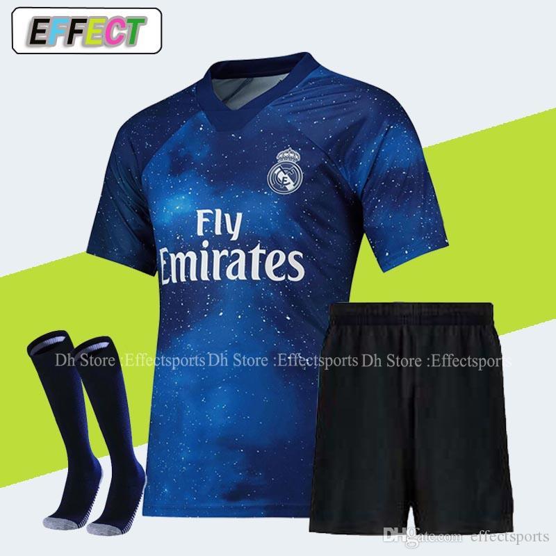 2019 Real Madrid Kit Homens Conjunto de Camisa de Futebol 18 19 Mariano  Casa Fora Terceiro kits NAVAS MODRIC VINICIUS Camisa de futebol JR RAMOS  ISCO Meias 3f74599b70e35