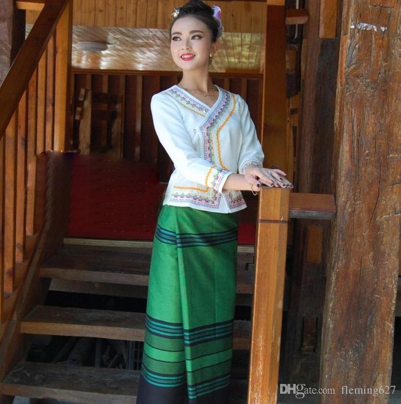 1bdeff0d2e8f 2019 China YunNan Xishuangbanna Dai Traditional Clothing White Long Sleeve  Green Skirt Waiter S Life Workwear Ethnic Special Uniform From Fleming627