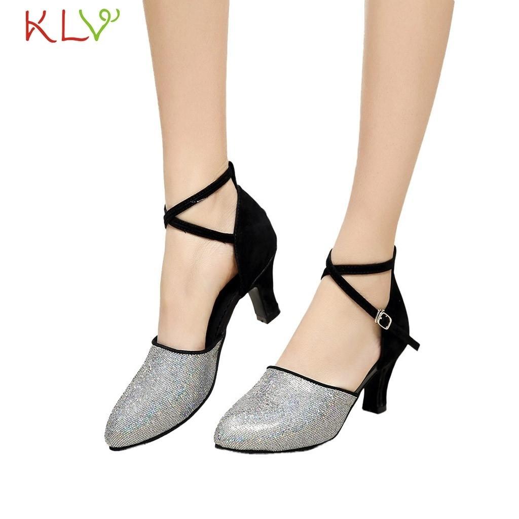 e851debf4a Compre Sapatos De Salto Designer Salsa Latina Salto Alto Profissional Para  As Mulheres Meninas Tango Salão De Baile Dança Sandálias De Dança Macia  18dec7 De ...