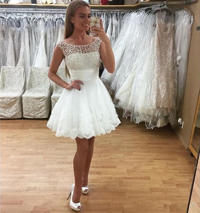 550fb60bc018 Vestidos de fiesta cortos blancos con perlas Cuello de barco Vestido de  fiesta sin mangas de encaje de tul Vestidos de fiesta Vestido de fiesta  2019 ...