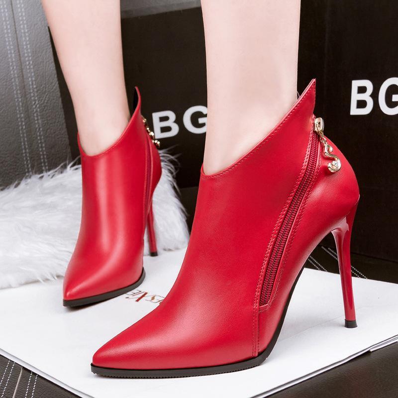 8bbd7da80 Compre Botas De Mujer Botines Rojos De Tacón Alto 10 CM Botas Cortas Mujeres  Otoño Invierno Moda Zapatos Para Mujer Negro Mate Punta Estrecha Bombas De  La ...