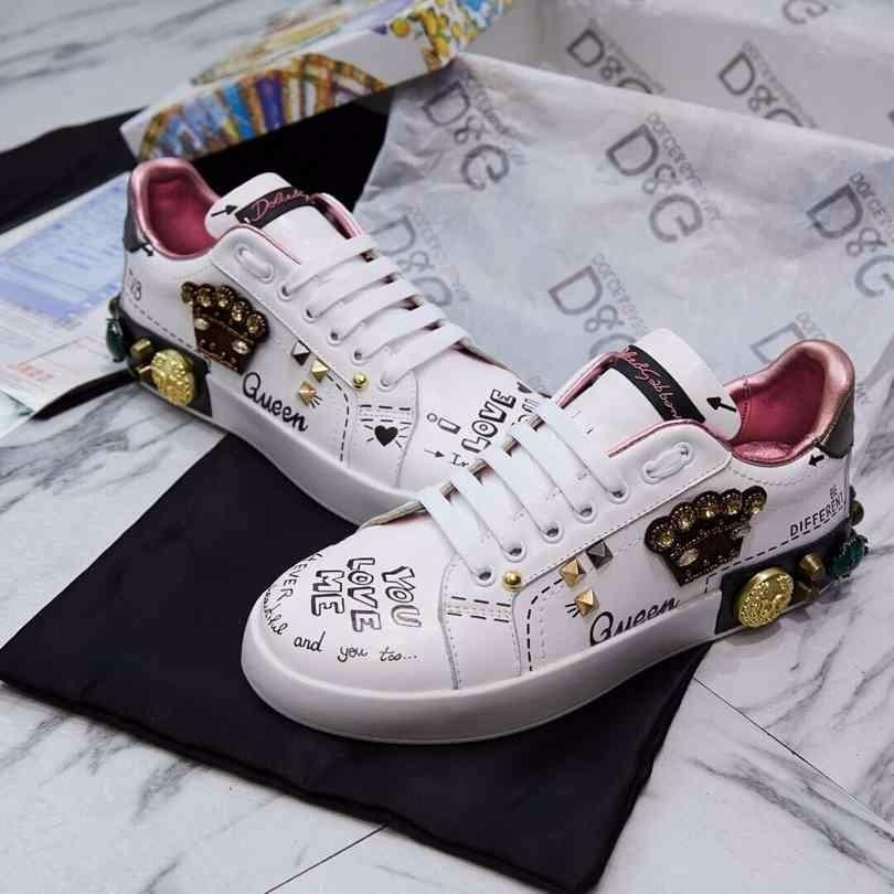8b9227afa49 2019 New Cowhide Casual Sports Low To Help Women'S Shoes Crown Accessories  White Shoes Suede Shoes Shoe Sale From Iwalkers07, $114.94| DHgate.Com