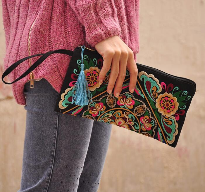 Vintage Ethnic Clutch Bag Embroidery Boho Messenger Chinese Ethnic Handbag bag fashion purse for women Party Decoration 15*27cm