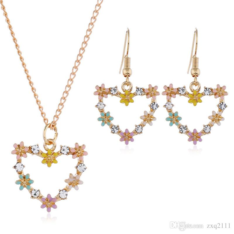 e472a465b 2019 European American Newest Women Fashion Jewelry Daisy Peach Earrings Necklace  Set Birthday Festival Gift From Zxq2111, $6.04 | DHgate.Com