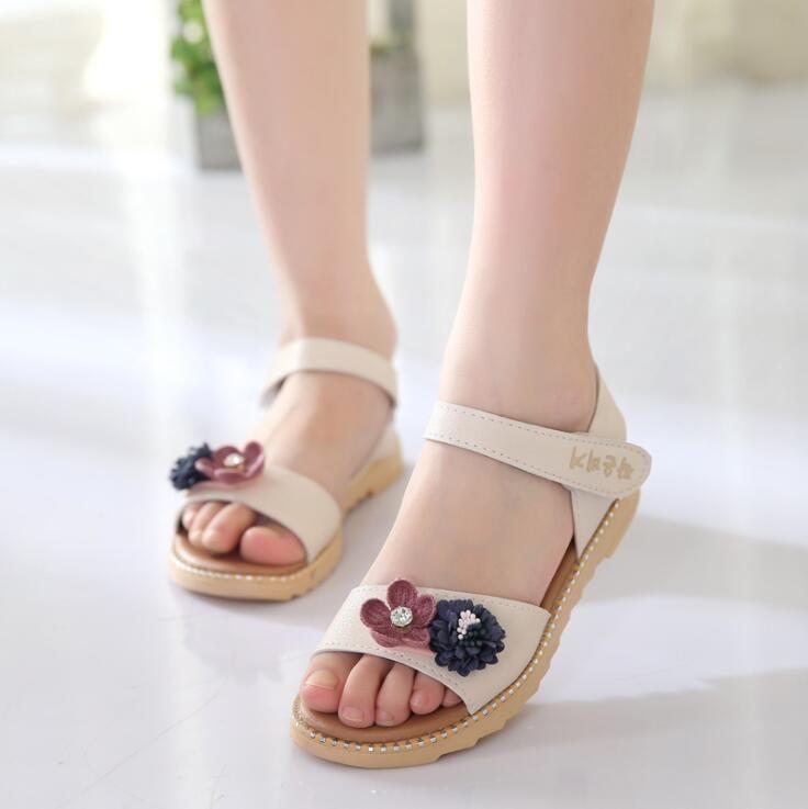 a35506d3e Girls Sandals 2019 New Cute Flower Princess Shoes Children S Beach Shoes  Primary School Summer Flat Sandals Cheap Kids Sneakers Little Kid Shoes  From ...