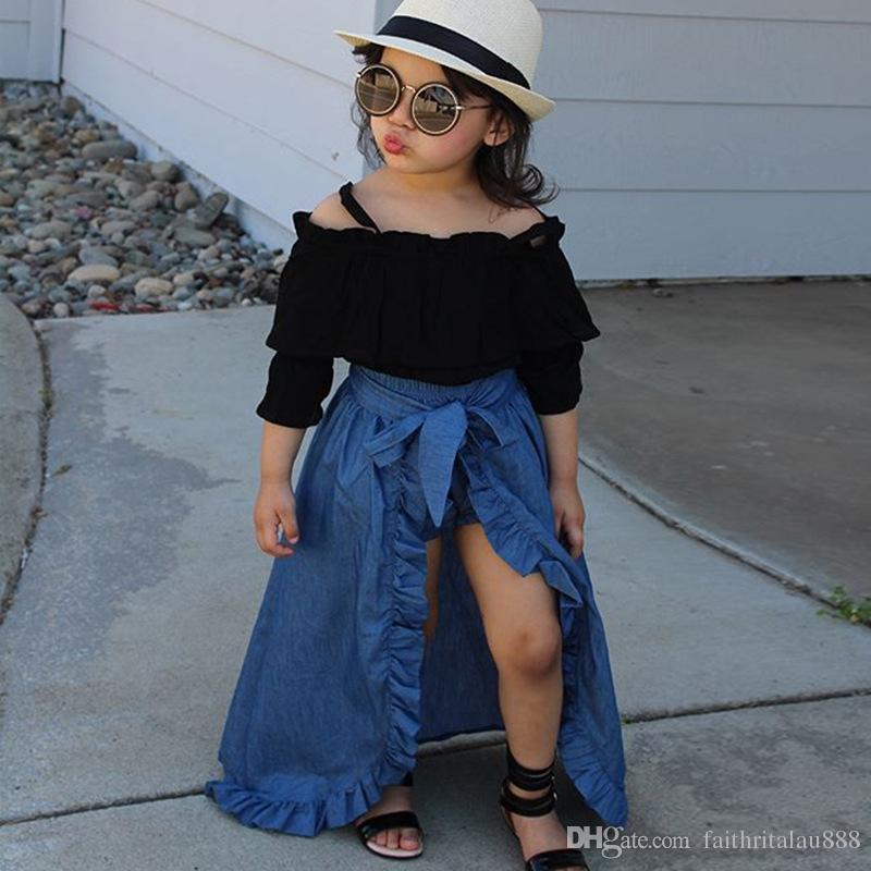 13740d9a1 Compre Moda Crianças Meninas Conjuntos De Roupas Cinta Preta Tops Saia  Jeans E PP Shorts Conjuntos De Verão Para Meninas De Algodão Crianças Roupas  De Bebê ...