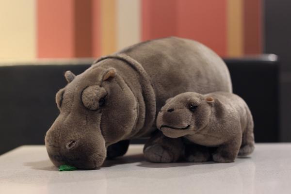 Compre 12 Realistas De Pie Hipopótamos De Peluche Juguetes Animales