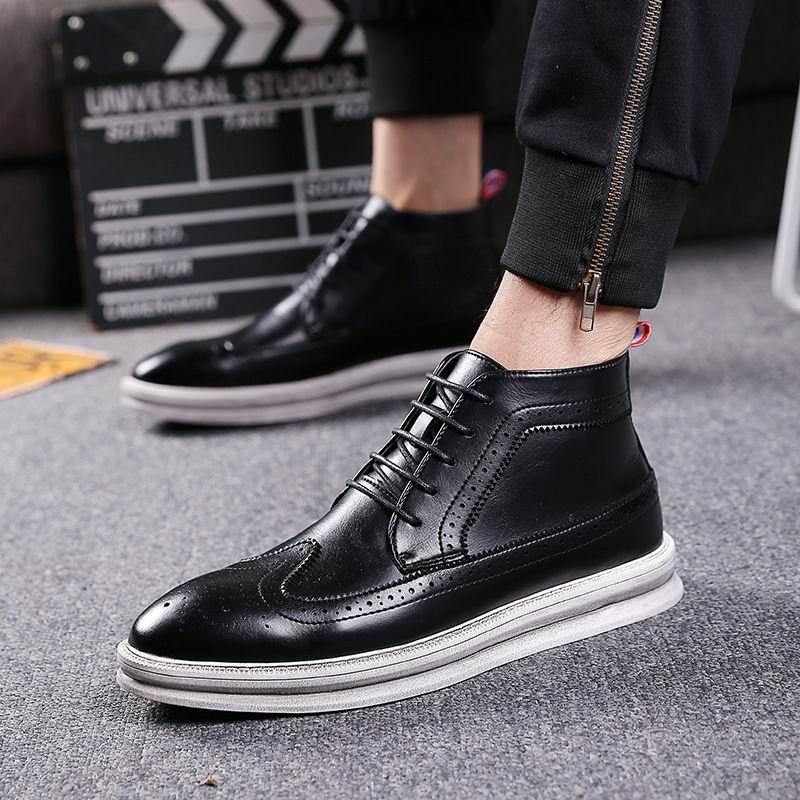 c5bd88384b7 ERRFC Fashion British Mens Black Brogue Shoes High Top Lace Up Man Short  Ankle Boots Trending Leisure Shoes Man Martin Boots 44 Footwear Fringe Boots  From ...