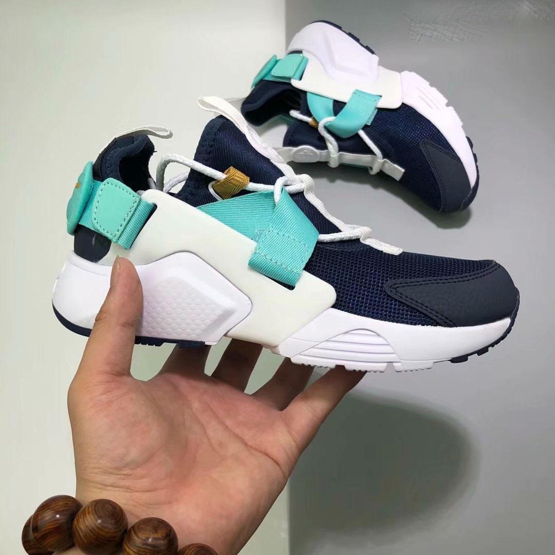 f17f6dc93e35d Acheter Chaussures De Marque De Luxe Chaussures Huarache 5 City Low Sneakers  Noir Blanc Hommes Chaussures De Course Femmes Baskets Casual Randonnée  Jogging ...