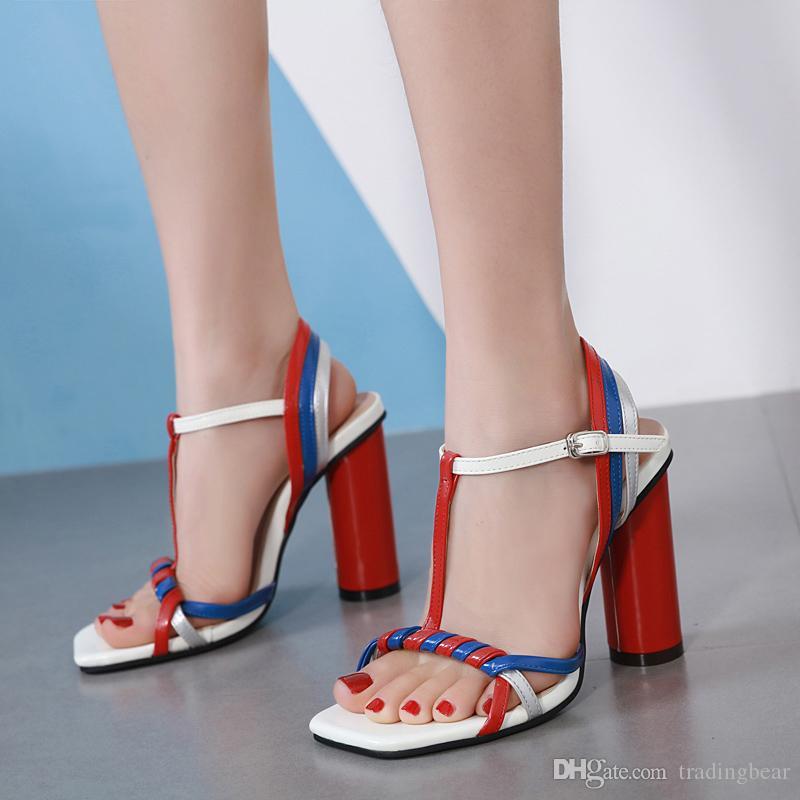 c1fe71363 Compre Sexy Patchwork T Strappy Sapatos De Salto Alto Designer De Moda  Sandálias De Grife De Luxo Mulheres Tamanho 34 A 40 De Tradingbear, ...