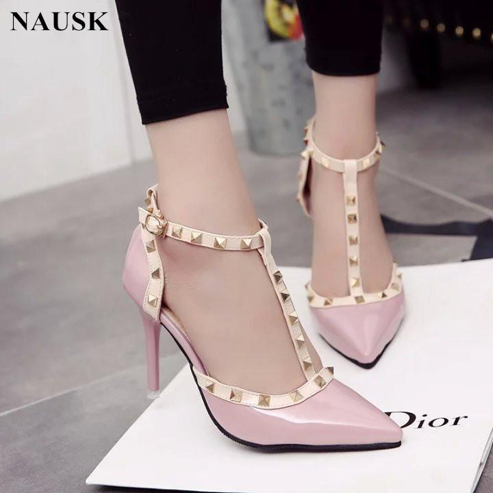 f8391dfed350e ... Hot Pumps 2019 Zapatos De Mujer Estilo De Verano Moda Sandalias Para  Mujer Remache Decoración De Metal Estilo De Cuero De La Pu Mujeres Tacones  Altos A ...