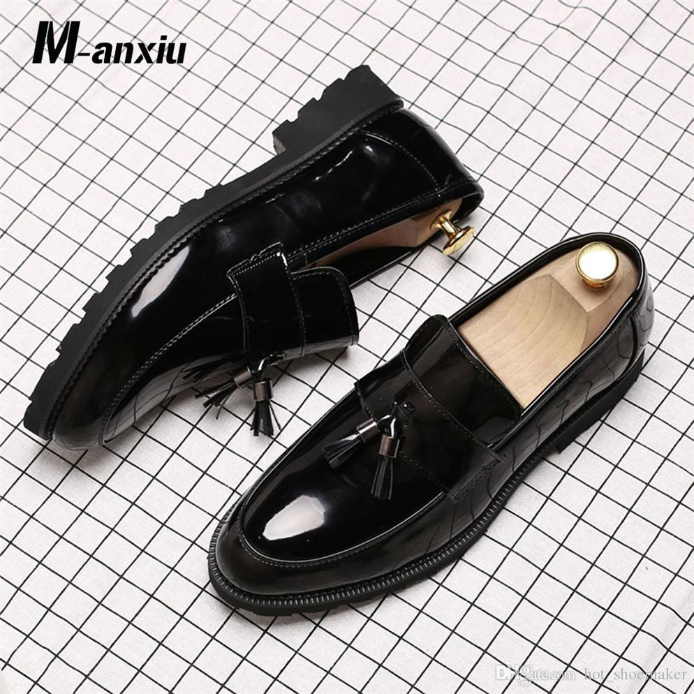 a59f6dc82e2 M Anxiu 2018 Mens Black Wedding Shoes Wingtip Patent Leather Slip On Loafers  Business Casual Shoes Breathable Oxford  7848 Wedges Shoes White Shoes From  ...