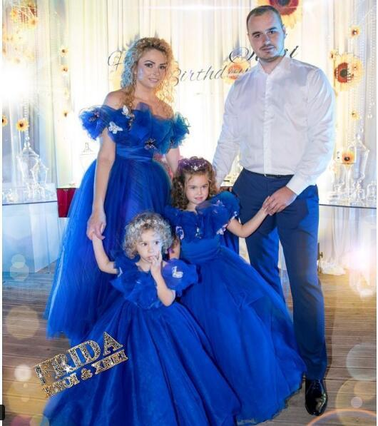 Abiti Flower Girl adorabili Puffy Tutu Ball Gown Royal Blue Tulle Paillettes 2019 Toddler Comunione Dress Abiti pageant della bambina