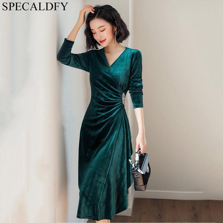 ebca6a8b1d7 Acheter 2019 Printemps Hiver Vert Velours Dress Femmes Manches Longues Col  En V Vintage Robes De Soirée Haute Qualité Mode Dames Robe De Bureau De   60.92 Du ...