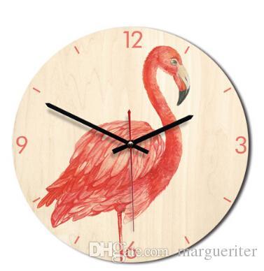 483d40538a6 Compre Flamingo Criativo Pintado Relógio De Parede De Madeira Estilo Europa  Padrão Dos Desenhos Animados Relógios De Parede Quarto Sala De Estar  Decoração ...