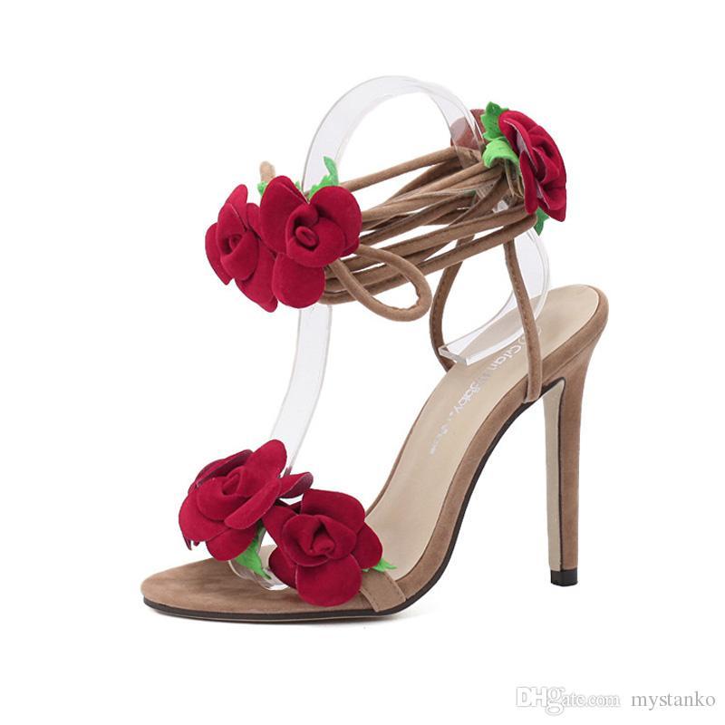 e58e55453c Per le donne sandali con fiori di rosa rossa con cinghie incrociate scarpe  con i tacchi alti scarpe stile romano romanas donna. LX-067