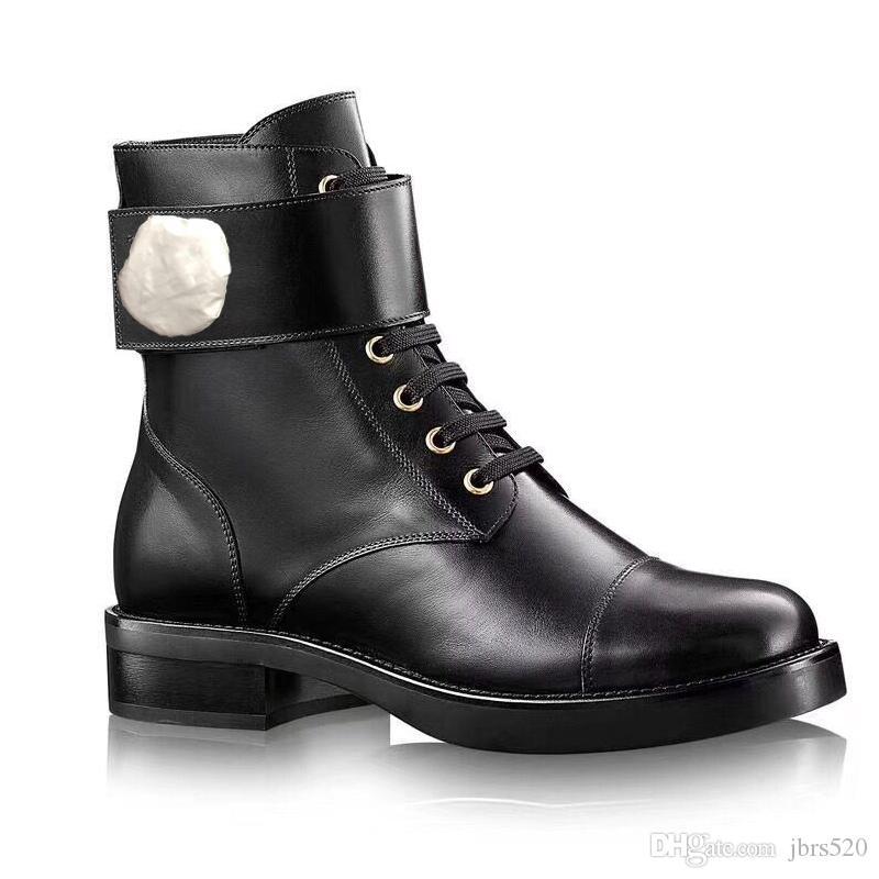 مارتن أحذية النساء فلامنغوس الحب السهم ميدالية 100٪ جلد حقيقي الصحراء التمهيد US4-11 الشتاء مشبك معدن امرأة الأحذية الأحذية المسطحة حجم كبير 42