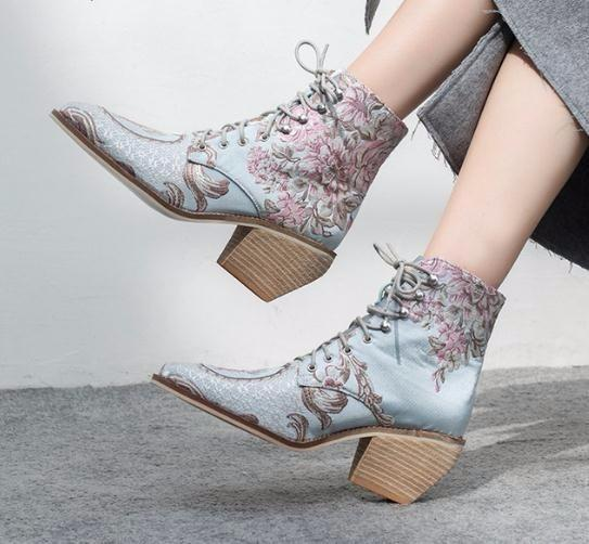 fd6b9a8bbb81 High Heel Ankle Women Shoes Winter 2019 New Woman Embroidered Boots Botines  Mujer Botte Femme Bottine Flower Boots No 7 Bootie From Jerry10