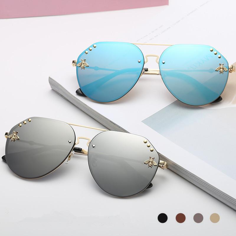 5b4232d7973f7 Compre Mulheres Verão Abelha Óculos De Sol Homem Sapo Espelho Oval Full  Frame Óculos Retro Vintage Eyewear 7 Cores LLA437 De B2b baby