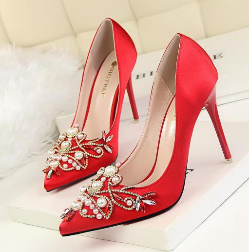 80cf44995f7 2019 QPFJQD Charming Pearl Crystal Heels Wedding Shoes Womens Pointy ...