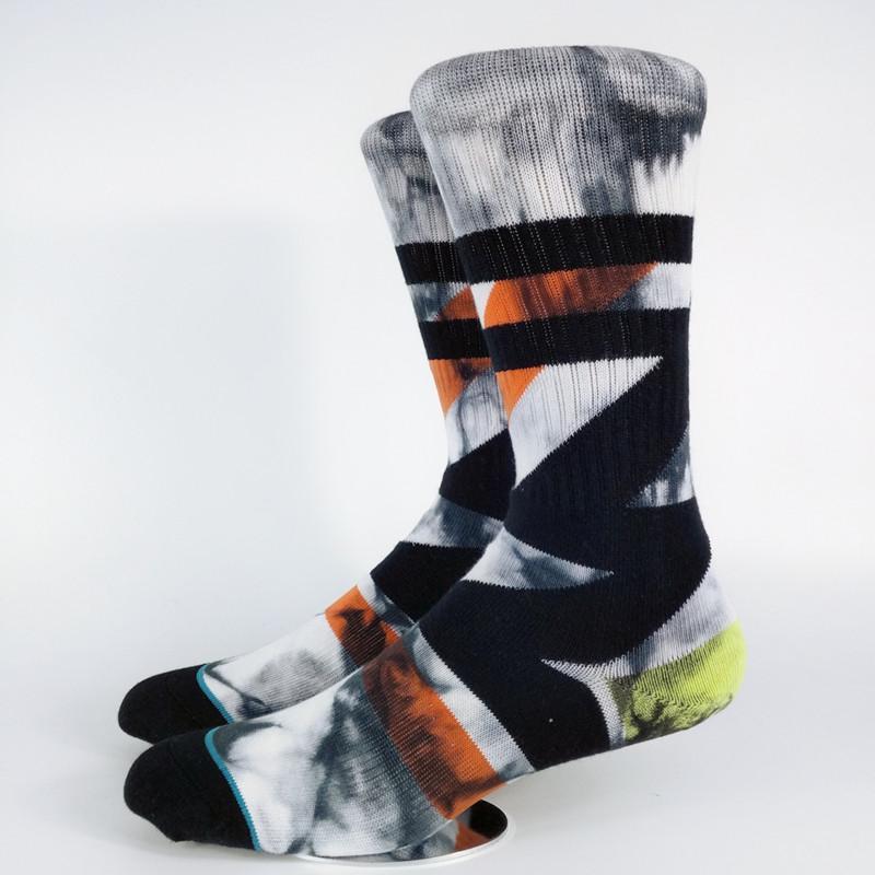Großhandel Old School Zick Zack Ankle Strip Krawatten Crew Socken