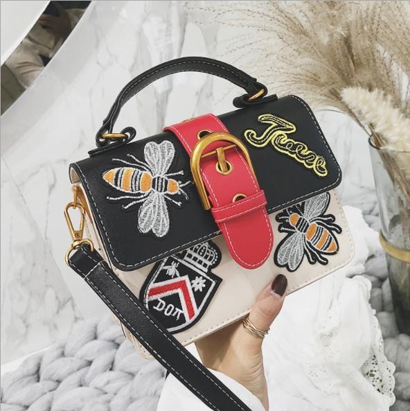0880dd06cb 2018 Embroidered Handbag Women s Winter New Ethnic Style Retro Small ...