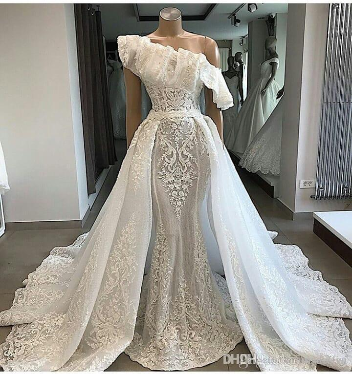 2a6ac866e3df0 2019 Luxury One Shoulder Lace Wedding Dresses With Detachable Court Train  Applique Mermaid Bridal Gowns Couture Engagement Dress