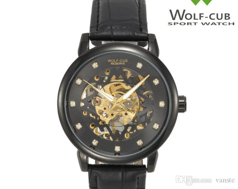82c665f44bb Compre Top Luxo EUA Esportes Dos Homens Militar Relógio Automático Pulseira  De Couro Oco Dial Cronógrafo Relógios Mecânicos Mestre Reloigo 1884 C  Relógio De ...