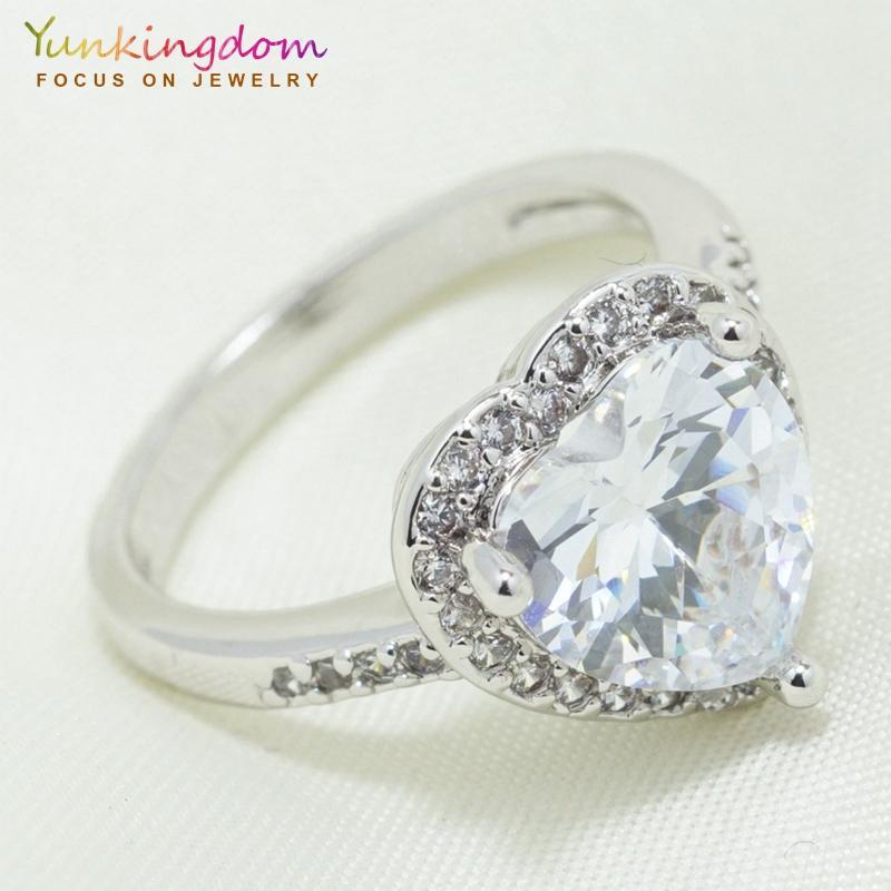 9fe1fc9be009 Yunkingdom romántico clásico forma de corazón para mujer anillo de plata  color cz anillos de cristal para Las Mujeres joyería de la boda al por ...