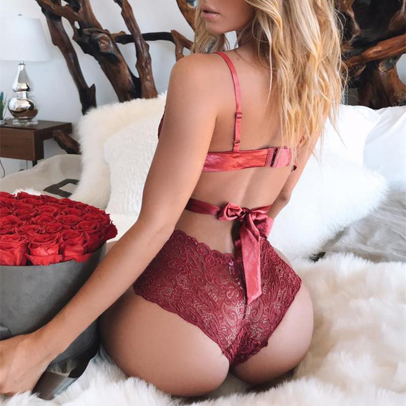 женское белье красное стринги